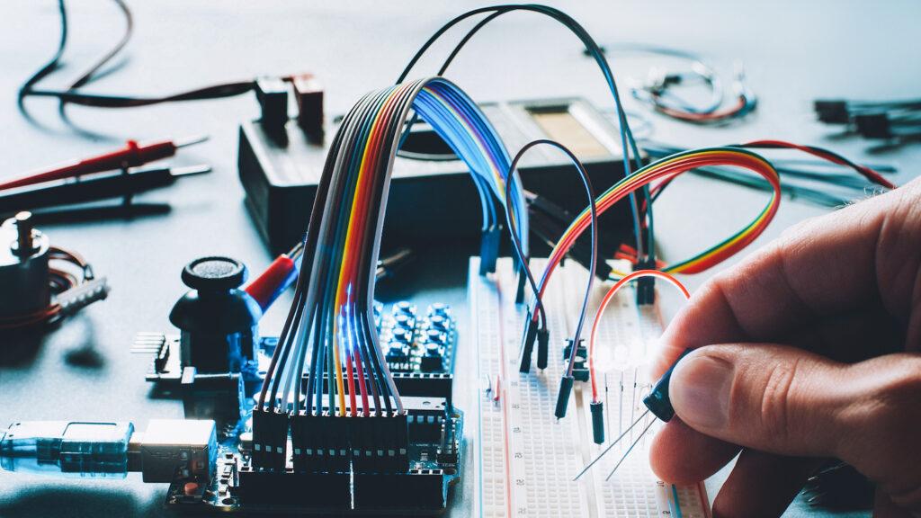 Drews Electronic Dienstleistungen Entwicklung Prototypen