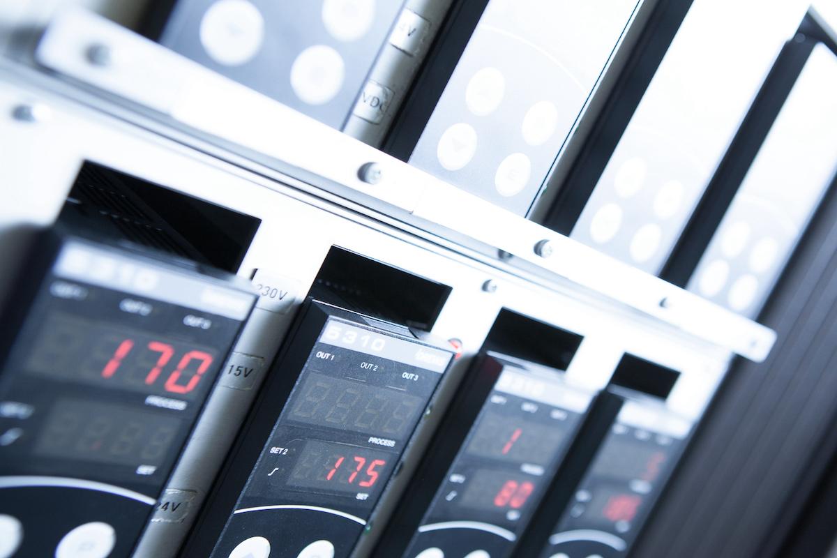 Drews Electronic Dienstleistungen Geraetemontage Auslieferung Garaete und Systeme
