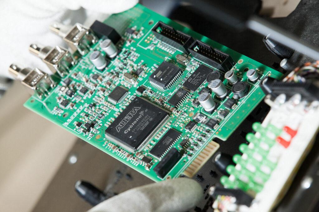 Drews Electronic Dienstleistungen Leiterplattenbestueckung