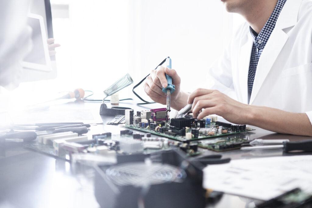 Drews Electronic Dienstleistungen Leiterplattenbestueckung THT Bestueckung